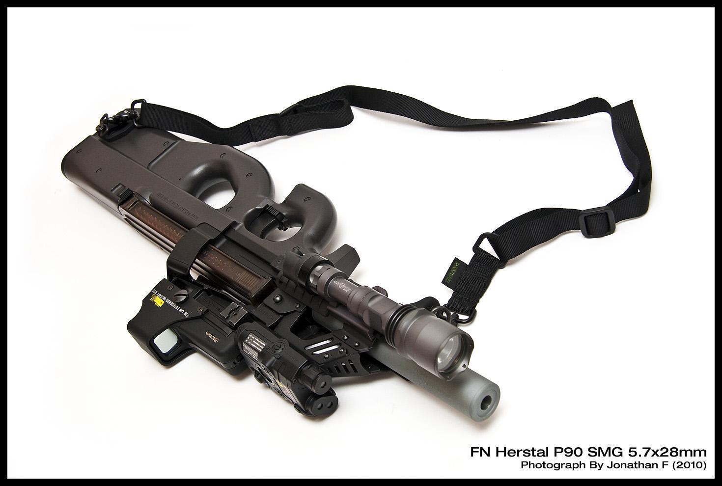 Le P90 1440_FNP90-04