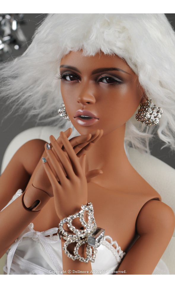 Dollmore - New Model Doll, Keeley Sum 0820360005572
