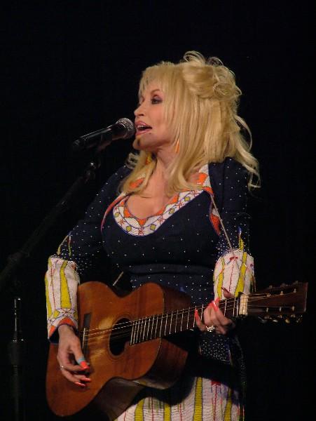 Dolly Parton DC09-9354