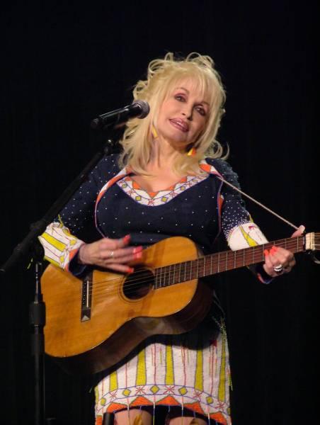 Dolly Parton Dc09-9337