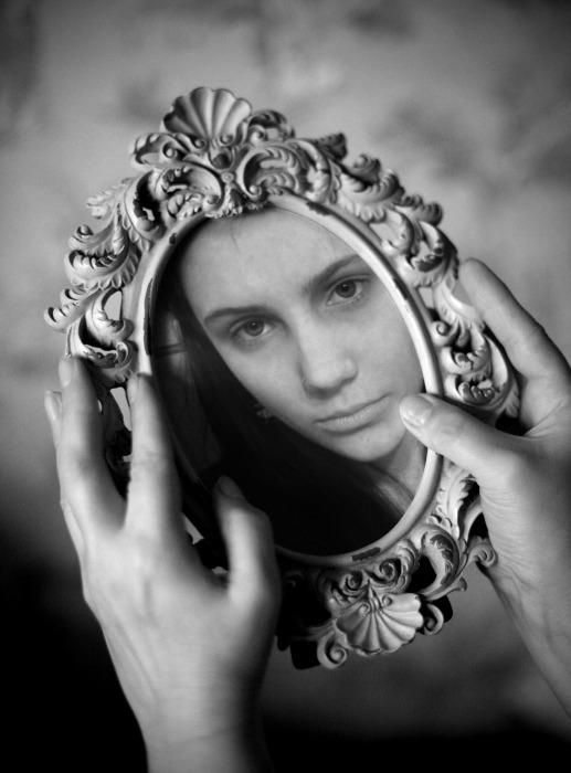 Iluzija bljeska-Mirjana Vujicic I_in_the_Mirror_by_Joland