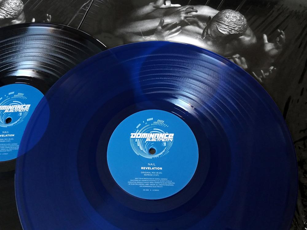 """Dominance Electricity pres. NAIL - Revelation (12"""" vinyl) out now! DE026-vinylfoto-1000"""