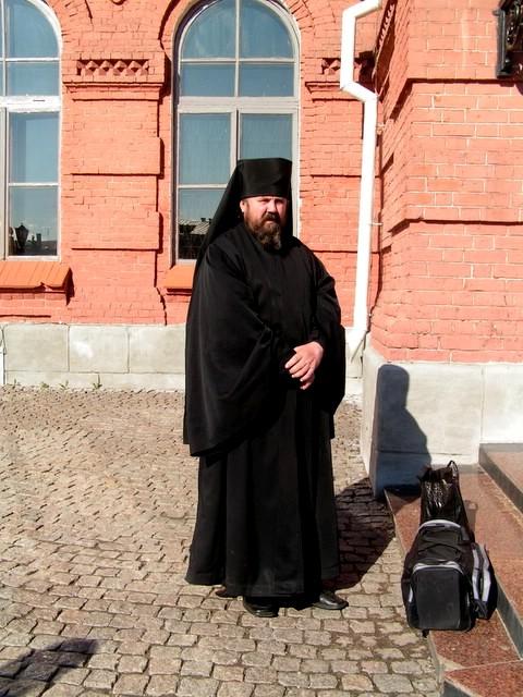 Pourquoi les prêtres ont des robes ? 05