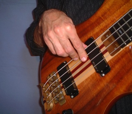 Bajistas venir a mi - Página 7 Right_hand_form_sm_med