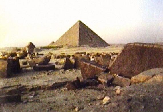 Découverte Vieille de 2 000 ans Avant les Pharaons ! Archéologie - Égypte Carrieres-gizeh_7PzE97