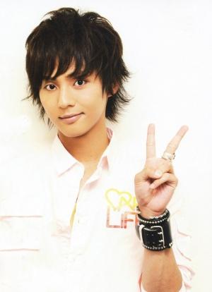 Dur dur le choix d'un avatar [sorte de sondage] et demandes de liens 300px-Fujigaya_taisuke