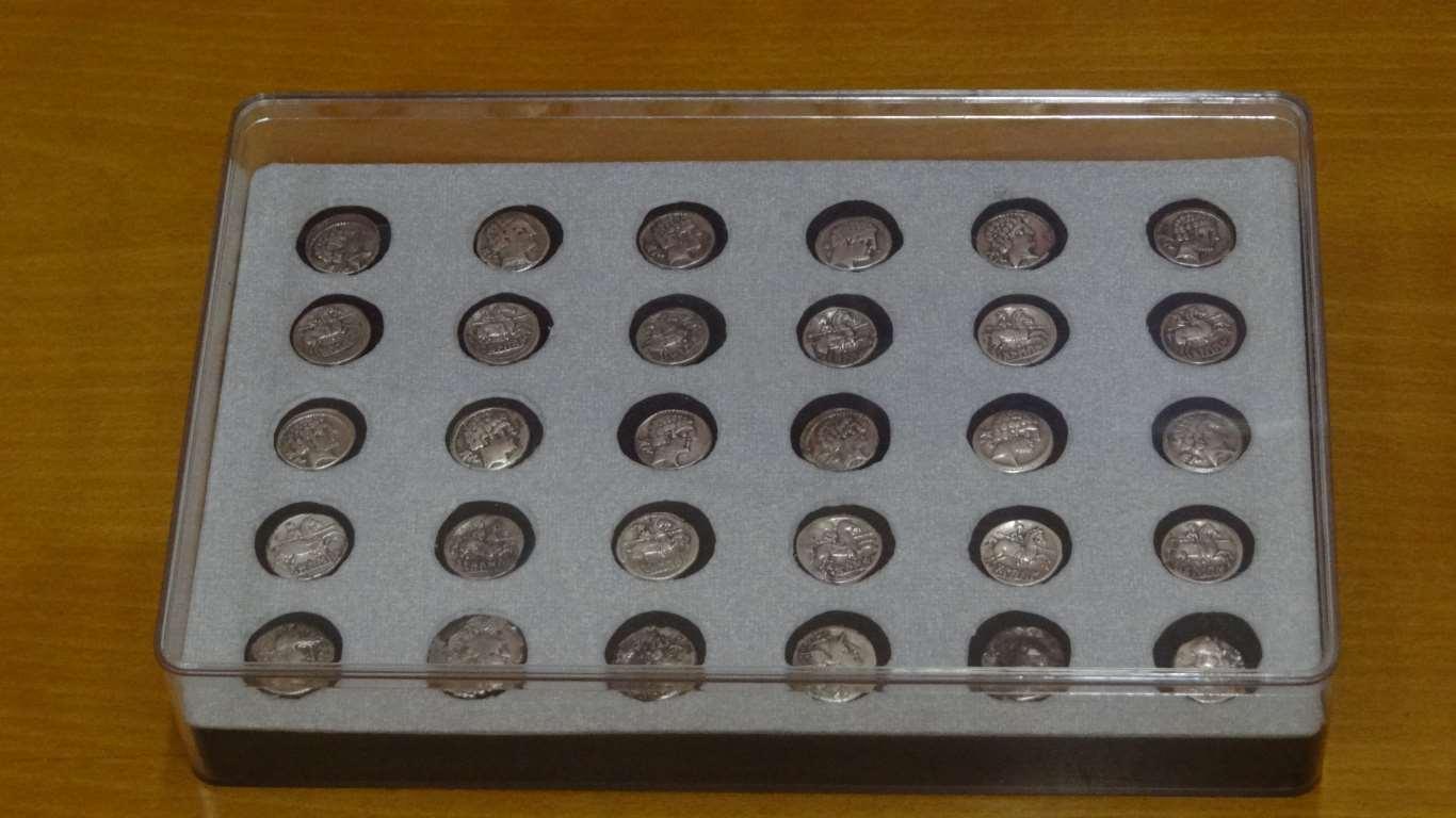 El MAR recibe materiales hallados en las excavaciones del yacimiento Complutum Tesorillo-Romano-MAR-222