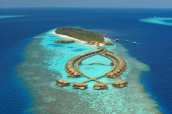 Playas Maldivas Lily-Beach-Resort-Spa-Maldivas-1-550x365