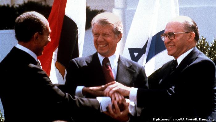 العلاقات الأمريكية الإسرائيلية: تحالف استراتيجي رغم الأزمات 37138601_303