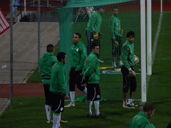 :: الجزائر   0-0   لوكسمبورغ .. . . مبارات ودية  تحضيرية ::  Photo_16112010_03