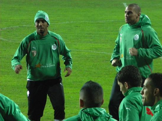 :: الجزائر   0-0   لوكسمبورغ .. . . مبارات ودية  تحضيرية ::  Photo_16112010_06