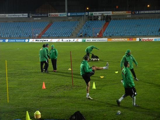 :: الجزائر   0-0   لوكسمبورغ .. . . مبارات ودية  تحضيرية ::  Photo_16112010_07