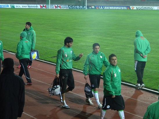 :: الجزائر   0-0   لوكسمبورغ .. . . مبارات ودية  تحضيرية ::  Photo_16112010_11