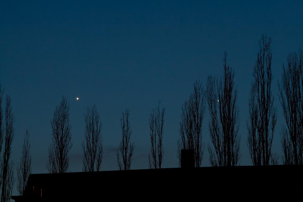 Rapprochement Venus-Mercure Venus_mercure_050410