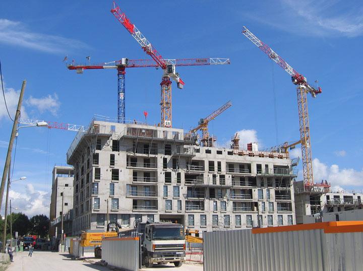 2012: le 05/11 à 21h52 - Disques lumineux - Clermont-Ferrand (63)  - Page 4 Batiment-construction