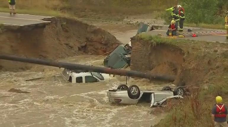 Flash floods happening all over central and southern california Colorado-flood-091913