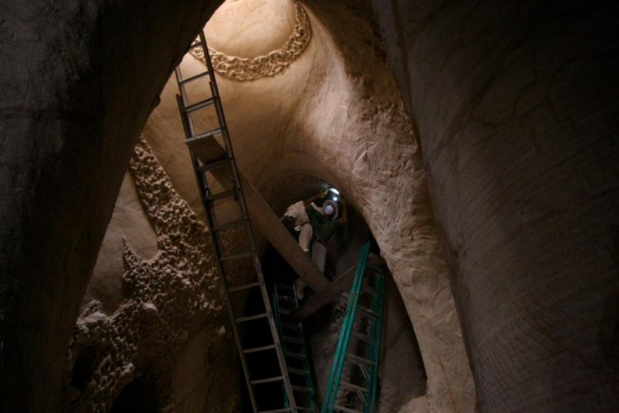 Artist Spends 10 Years Carving A Giant Cave Alone With His Dog Carved-cave-6