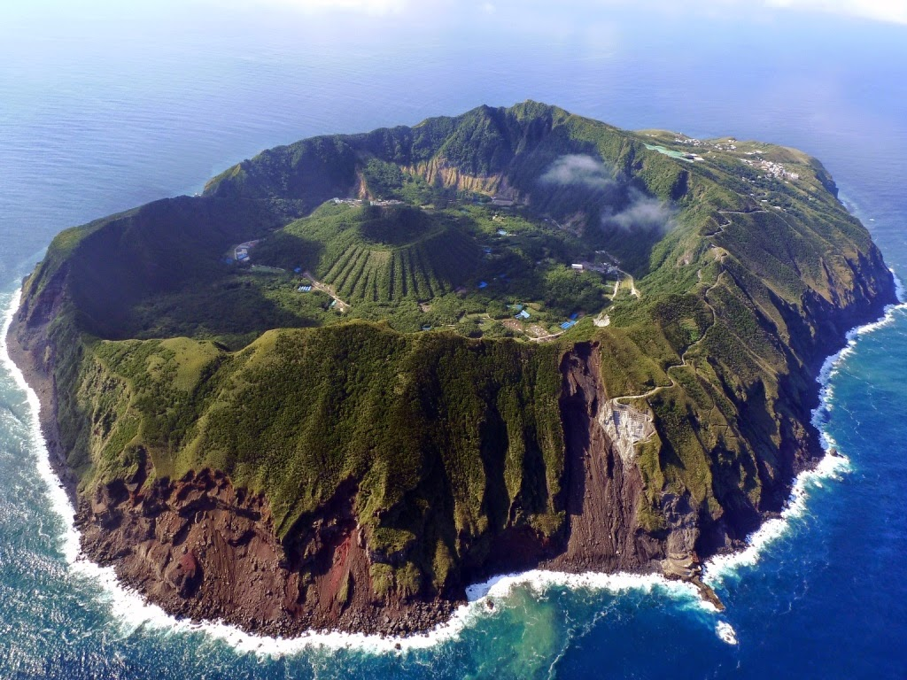 World's Most Stunning Volcanoes Aogashima-Volcano-Japan