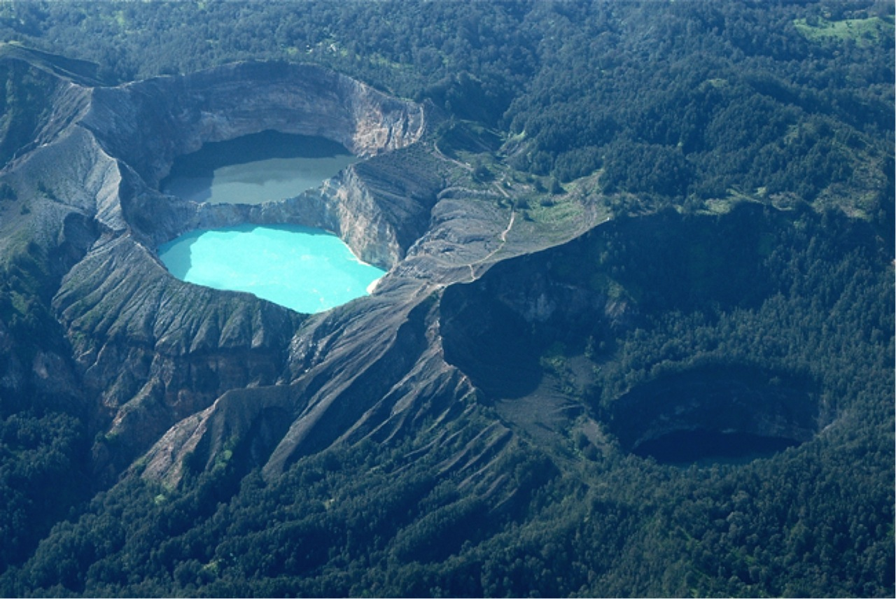 World's Most Stunning Volcanoes Kelimutu-Volcano-Flores-Indonesia