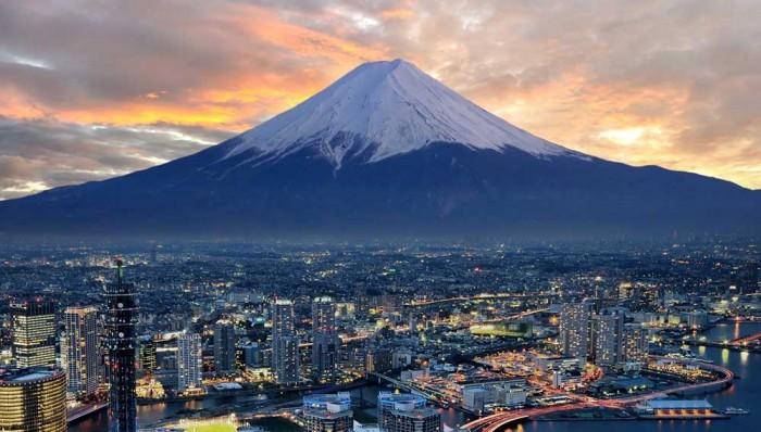 World's Most Stunning Volcanoes Mount-Fuji