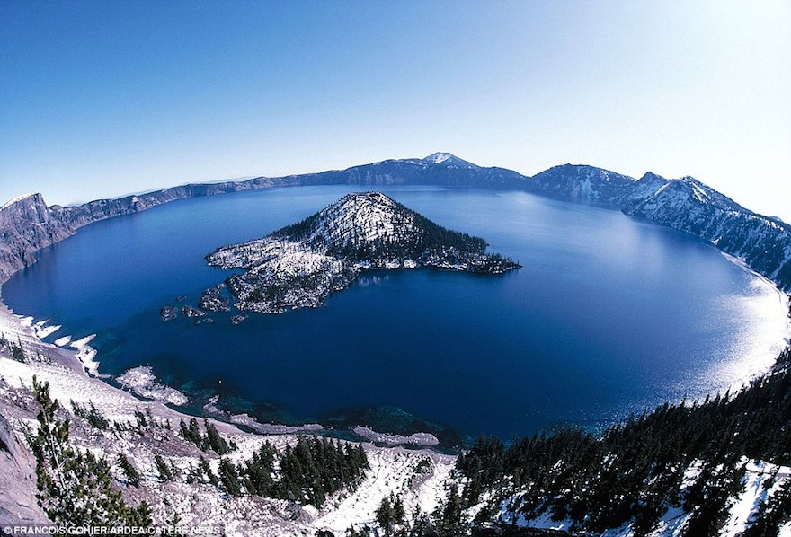 World's Most Stunning Volcanoes Crater-lake