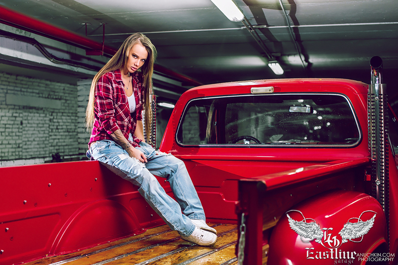 Тюнинг-ателье Eastline Garage. Самоклеющаяся алькантара и кожзам! 47