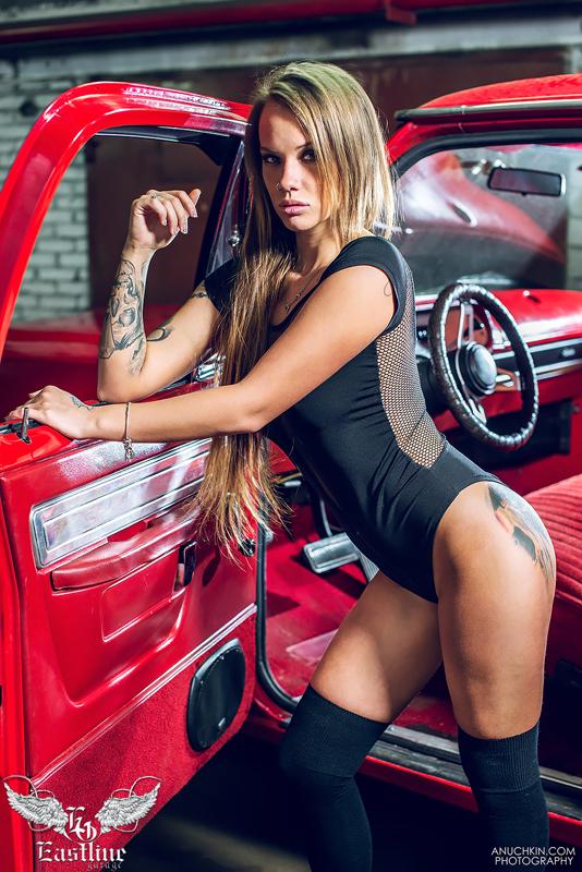 Тюнинг-ателье Eastline Garage. Самоклеющаяся алькантара и кожзам! 58