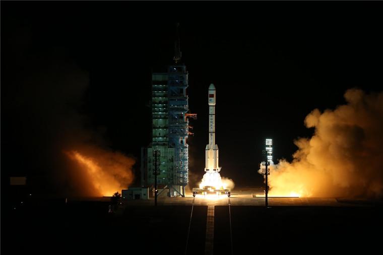 CZ-2F (Tiangong-2) - 15.9.2016 [Succès] - Page 2 2016-09-15-Lancement-du-2%C3%A8me-laboratoire-spatial-chinois-TG-2-02
