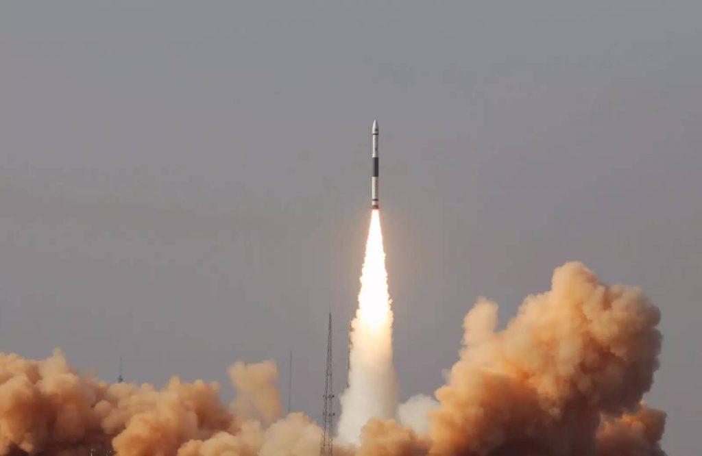Kuaizhou-1A (Jilin-1 03) - 9.01.2017 2017-01-10-Du-militaire-au-civil-le-vol-inaugural-du-lanceur-KZ-1A-08-1024x666