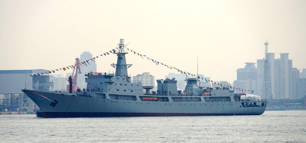 Type 815 - Navire Collecteur de Renseignements (SIGINT) 2017-02-16-Lancement-du-6%C3%A8me-navire-espion-chinois-de-Type-815A-05-1024x481
