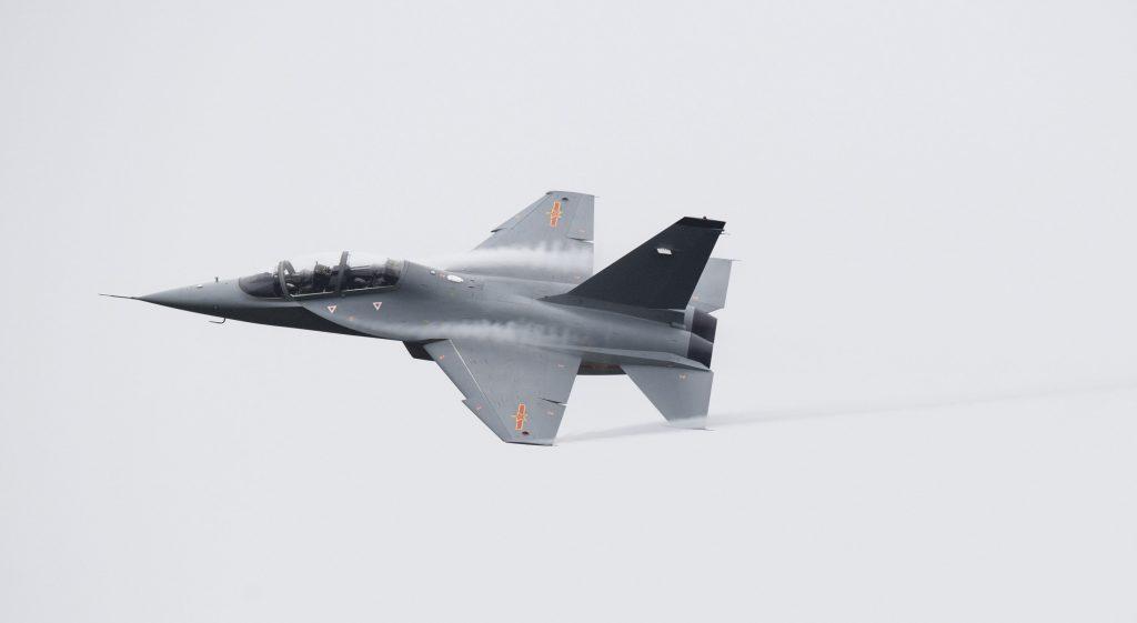 [Aviation] JL-10 / L-15 - Page 2 2017-03-30-Les-premiers-JL-10-int%C3%A8grent-la-marine-chinoise-01-1024x561