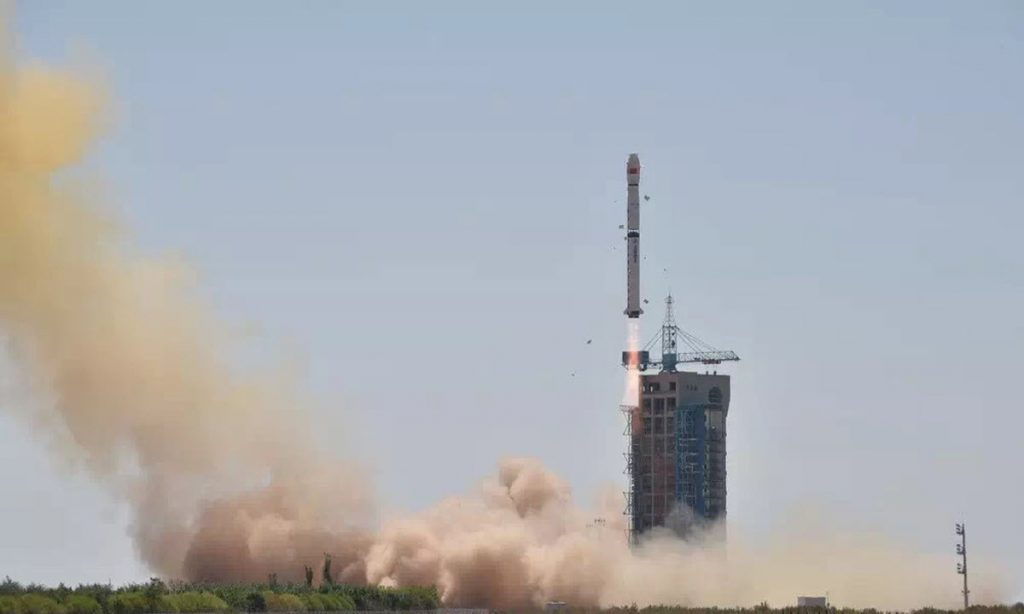 CZ-2D (HXMT) - 15.6.2017 2017-06-17-La-Chine-lance-son-1er-t%C3%A9lescope-spatial-HXMT-13-1024x614