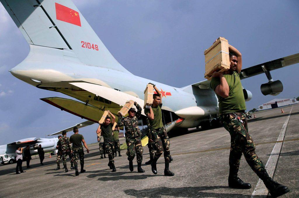 [Information] Exportation des Armements Chinois - Page 10 2017-07-01-La-Chine-offre-3-000-armes-l%C3%A9g%C3%A8res-aux-Philippines-22-1024x680