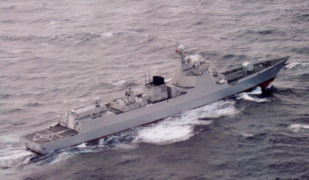 Type 052D - Destroyer - Page 14 2017-07-19-Une-autre-histoire-du-destroyer-173-Changsha-02-1024x596