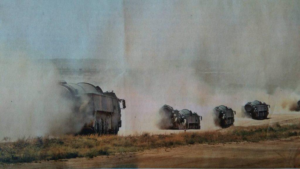 [Information] Forces des Fusées (ex 2nd Corps d'Artillerie) - Page 13 2017-08-24-Tir-multiple-de-missile-balistique-chinois-04-1024x578