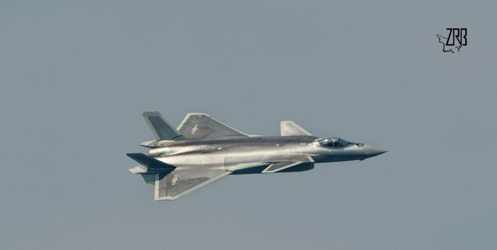 [Aviation] J-20 - Page 21 2017-09-21-Quand-le-J-20-vole-avec-des-moteurs-chinois-05-1024x515