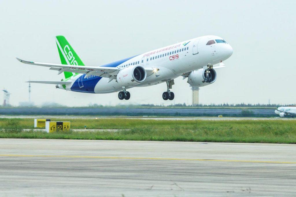 [Aviation] C919, Premier avion de ligne single-aisle chinois - Page 2 2017-09-29-C919-2e-vol-dessai-et-130-nouvelles-commandes-15-1024x682