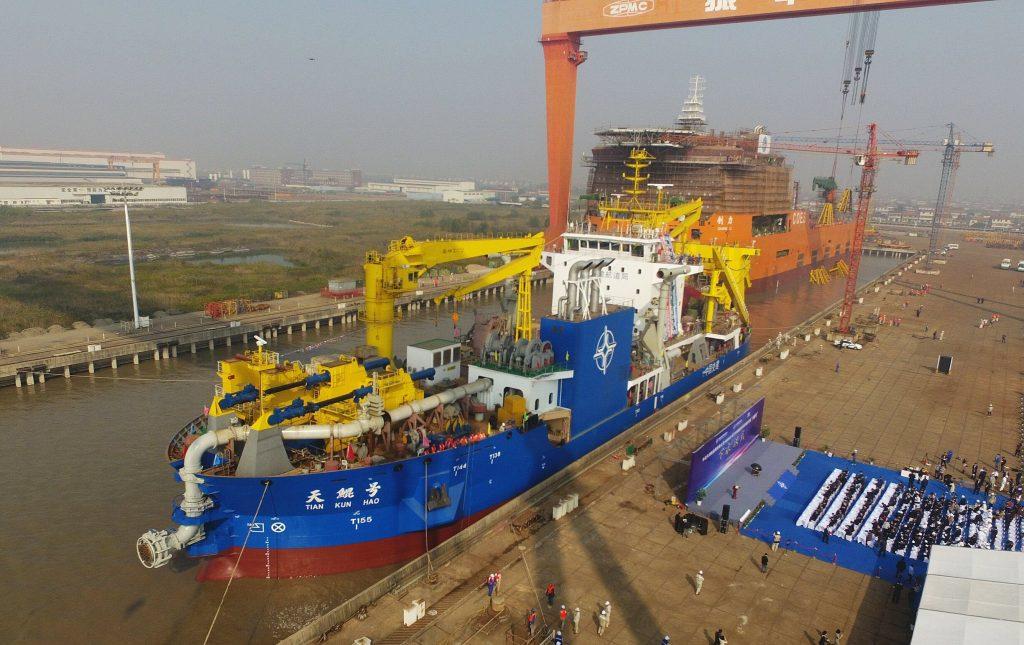 [Information] Conflits dans la Mer de Chine Méridionale - Page 17 2017-11-10-La-Chine-met-%C3%A0-flot-la-plus-grande-drague-aspiratrice-en-Asie-02-1024x645