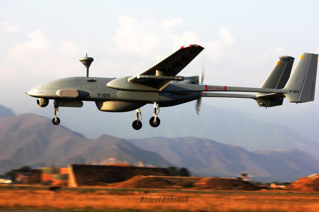 [Aviation] Drones & Drones de Combat Chinois - Page 13 2017-12-09-Un-drone-de-reconnaissance-indien-s%C3%A9crase-en-Chine-03-1024x683