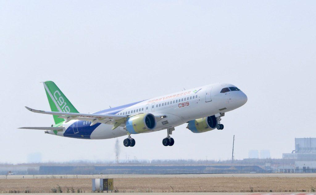 [Aviation] C919, Premier avion de ligne single-aisle chinois - Page 3 2017-12-17-Le-2e-prototype-C919-r%C3%A9ussit-son-vol-inaugural-%C3%A0-Shanghai-07-1024x633