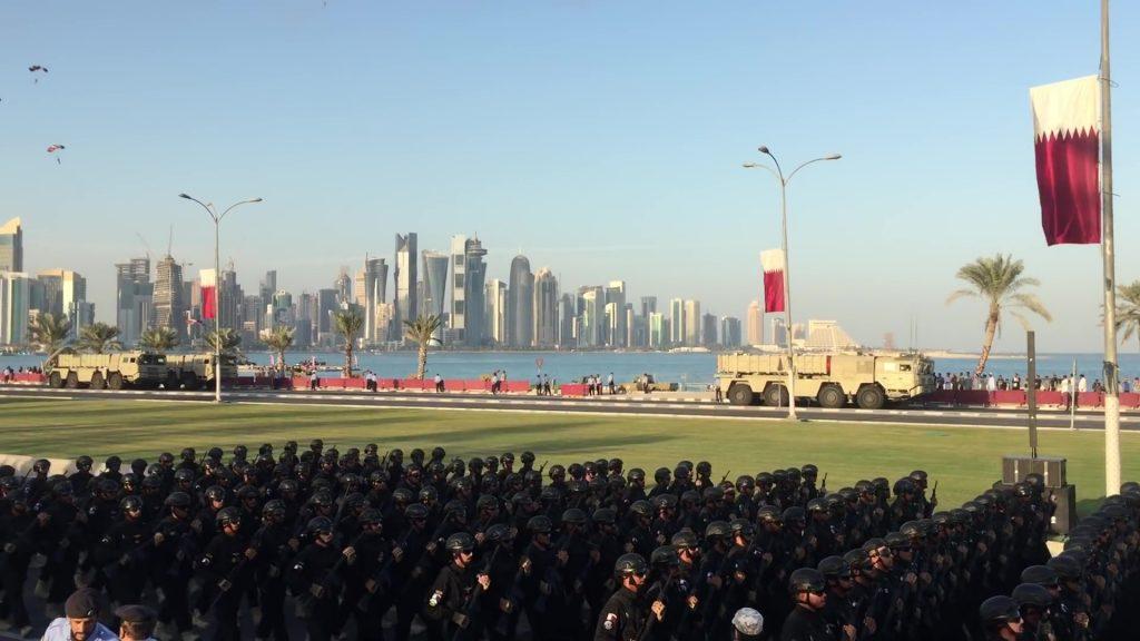 [Information] Exportation des Armements Chinois - Page 10 2017-12-20-Le-Qatar-se-dote-du-missile-balistique-chinois-BP-12A-04-1024x576