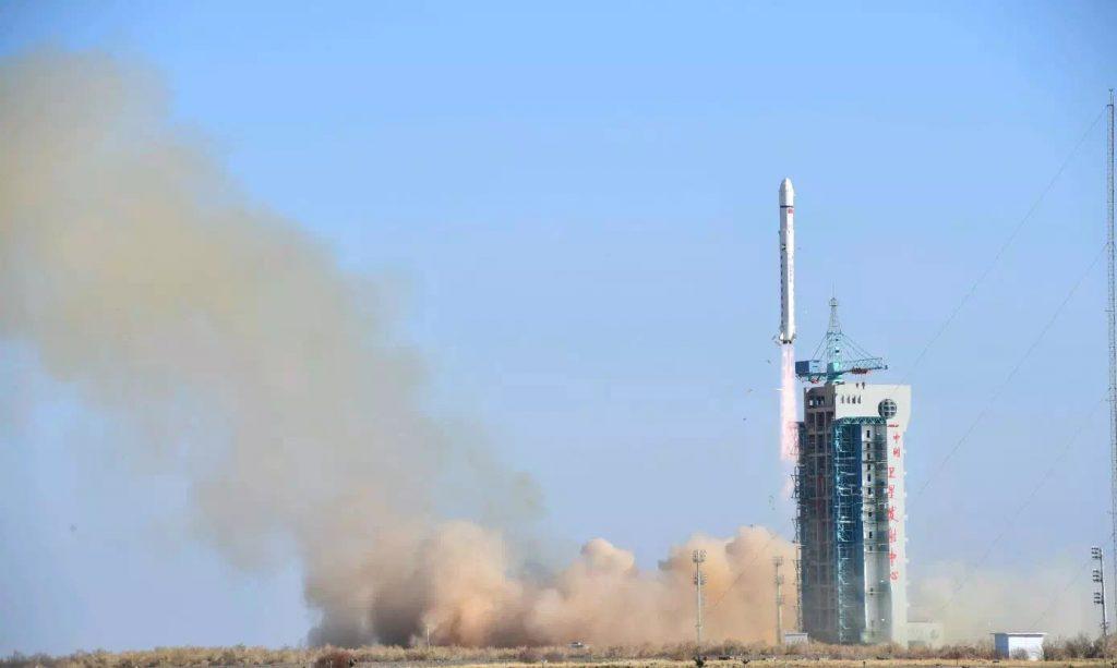 CZ-2D (LKW-3) - 13.1.2018 2018-01-14-LKW-3-la-Chine-lance-un-nouveau-satellite-suppos%C3%A9-militaire-09-1024x613