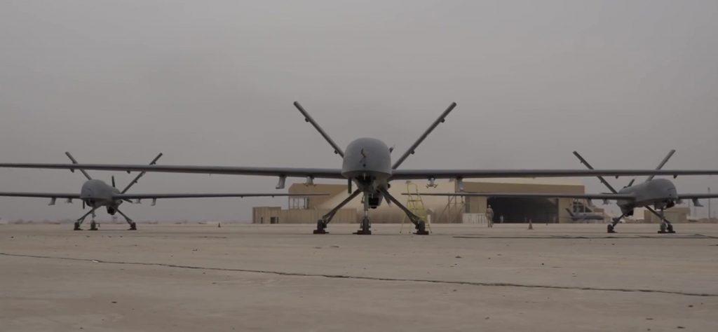 [Aviation] Drones & Drones de Combat Chinois - Page 13 2018-02-18-Les-officiers-irakiens-parlent-du-drone-CH-4-21-1024x474