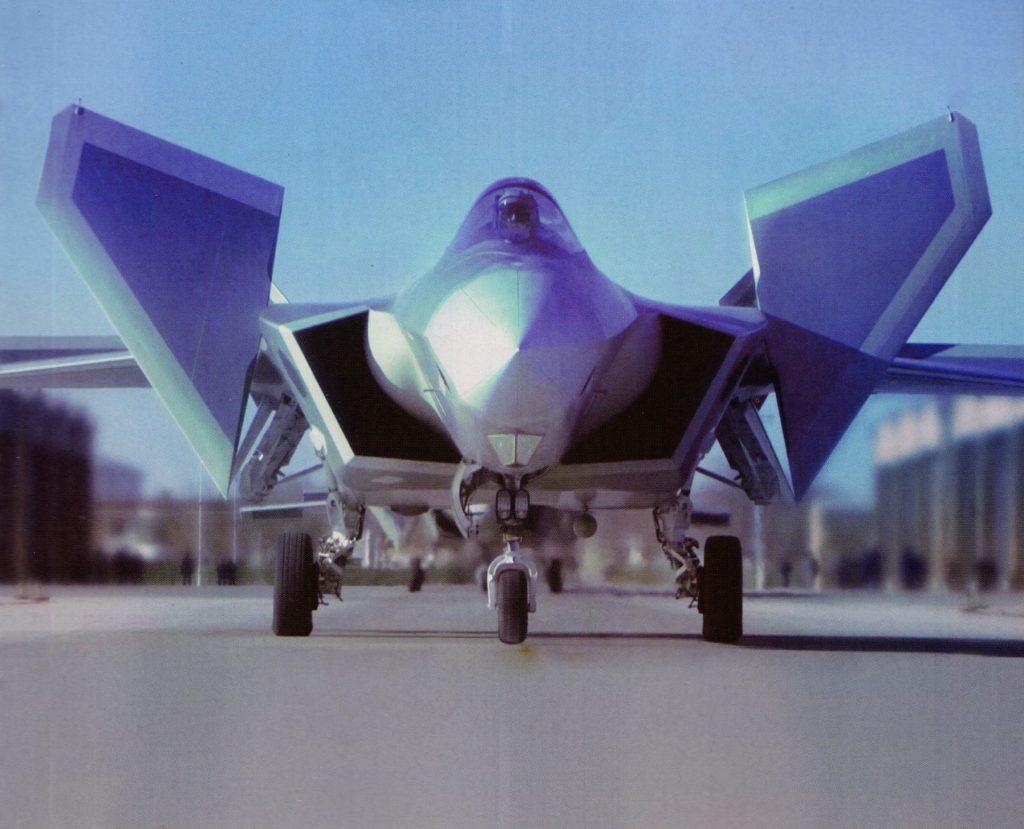 [Aviation] J-20 - Page 21 2018-04-09-Le-J-20-teste-la-tuy%C3%A8re-vectorielle-07-1024x829