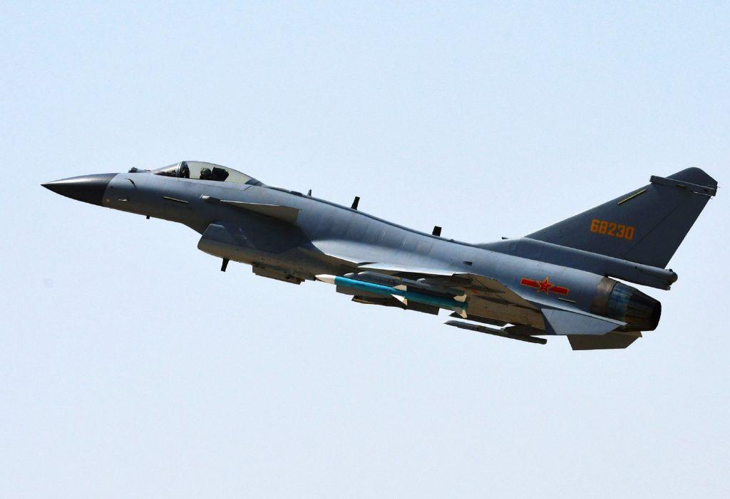 [Aviation] J-10B & J-10C - Page 6 2018-04-18-Larm%C3%A9e-de-lair-chinoise-d%C3%A9clare-le-J-10C-combat-ready-08-1024x701