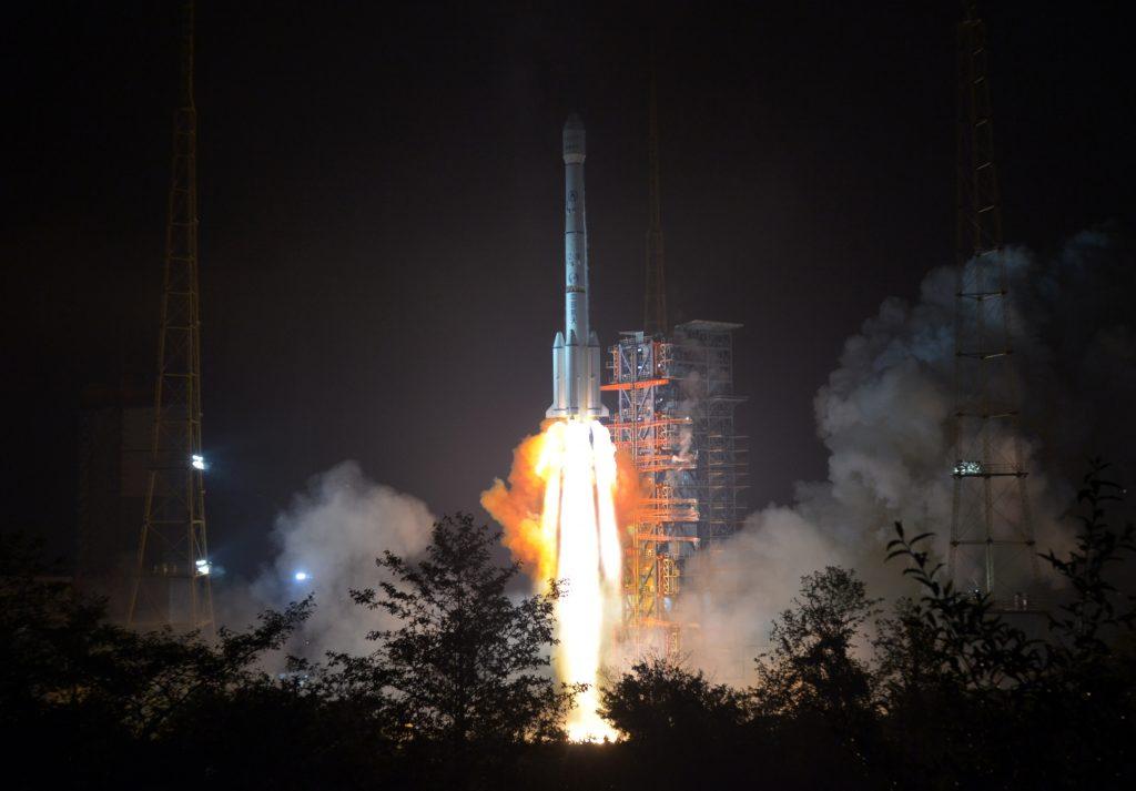 [Information] Secteur Aérospatial Chinois - Page 20 2018-05-05-Lancement-r%C3%A9ussi-du-satellite-de-communication-APStar-6C-10-1024x713