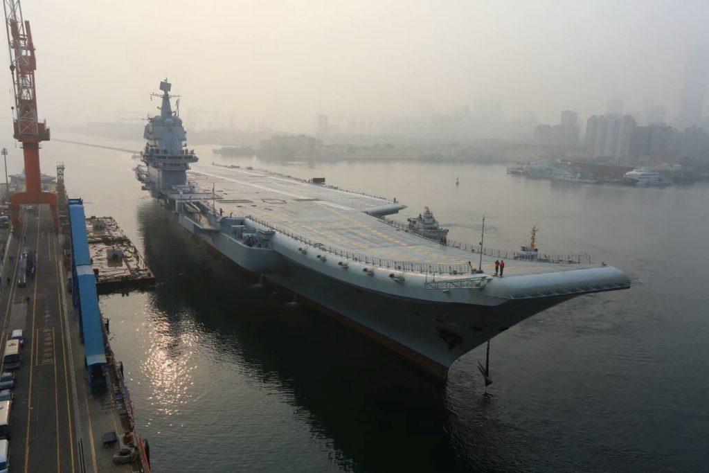 Type 002 - 2ème Porte-avions STOBAR - Page 12 2018-05-13-Le-2e-porte-avions-chinois-d%C3%A9marre-son-1er-essai-%C3%A0-la-mer-16-1024x683