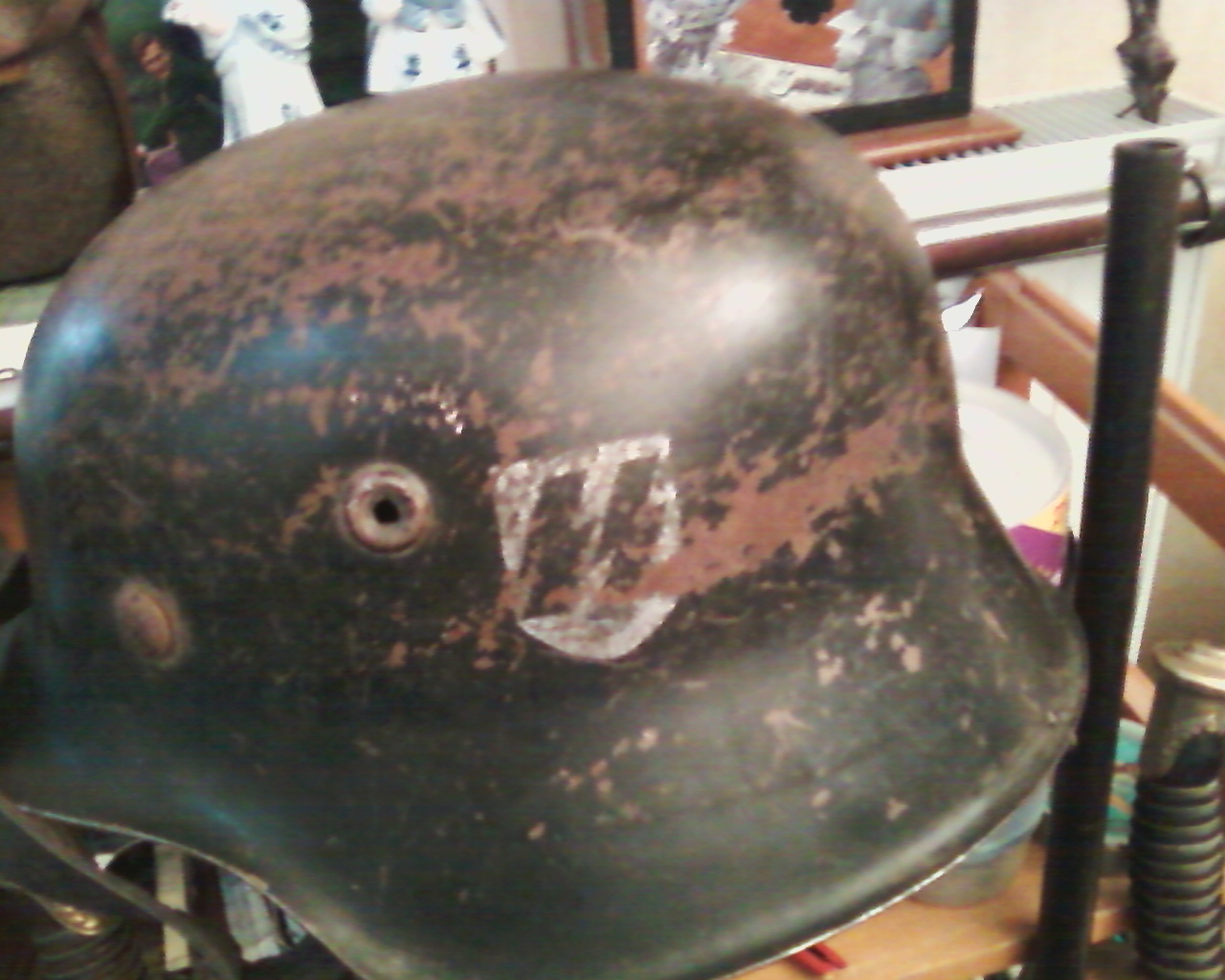 Vos casques allemands WW2... - Page 4 Photo-0018.2010915103924