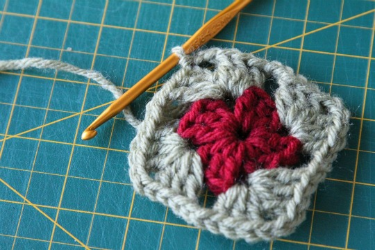 Christmas in July!...Let's make some ornies!!! Crochet-round-2