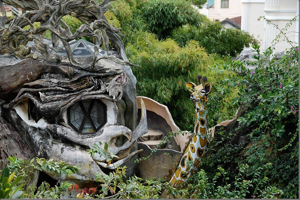 Najskuplje ,neobične ,čudne hotelske sobe i hoteli  Hang-Nga%E2%80%99s-Tree-House-Vietnam